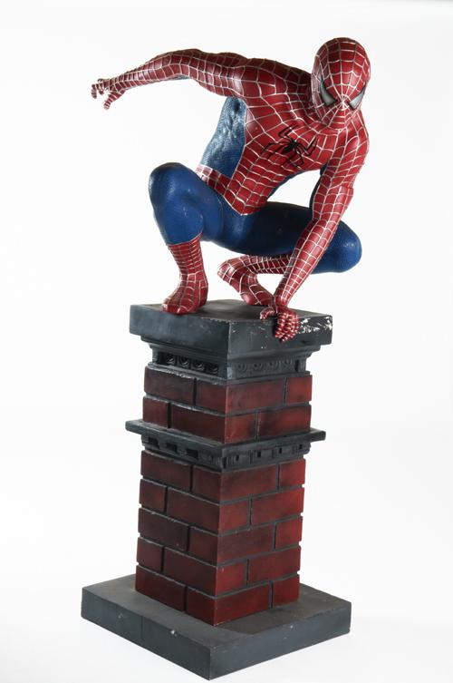 HASBRO  A6997E270  Spiderman figurine lance fluide géante